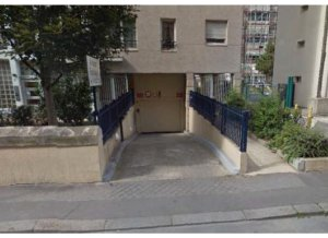 Location de Parking abrité : 15-23 Rue du Charolais, Paris, France