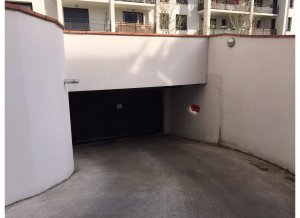 Location de Parking abrité : 16 Grande Rue Saint-Michel, 31400 Toulouse, France
