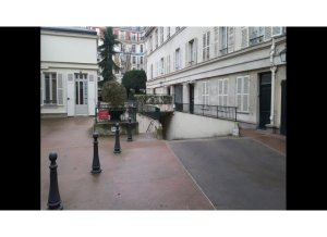 Location de Parking abrité : 101 Rue Saint-Dominique, 75007 Paris, France