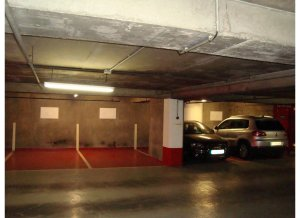 Location de Parking abrité : 26 Rue François Bonvin, Paris, France