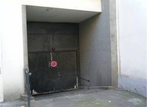 Location de Parking abrité : 142B Rue Pelleport, 75020 Paris, France