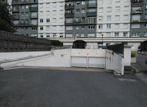 Location de Parking abrité : 173 Rue de Charenton, Paris, France