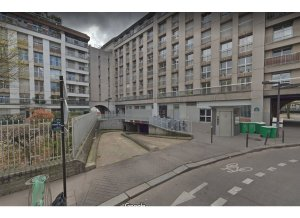 Location de Parking abrité : 1 Rue Robert Blache, 75010 Paris, France