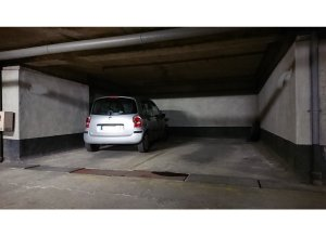 Location de Parking abrité : 147 Rue de Bercy, 75012 Paris, France