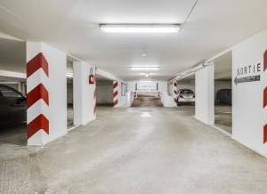 Location de Parking abrité : 37 Rue Gabriel Lamé, 75012 Paris, France