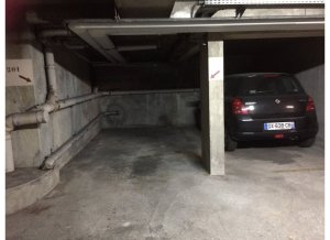 Location de Parking abrité : 3 Rue Larochelle, 75014 Paris, France