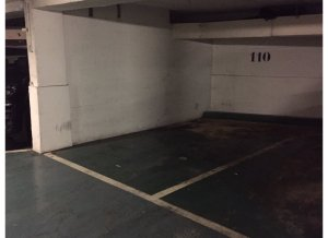 Location de Parking abrité : 13 Rue Gros, 75016 Paris, France