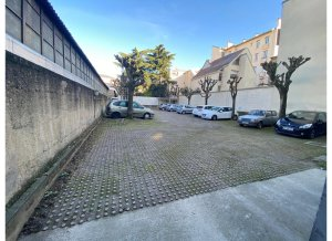 Location de Parking extérieur : 124 Rue Paul Vaillant Couturier, 92240 Malakoff, France